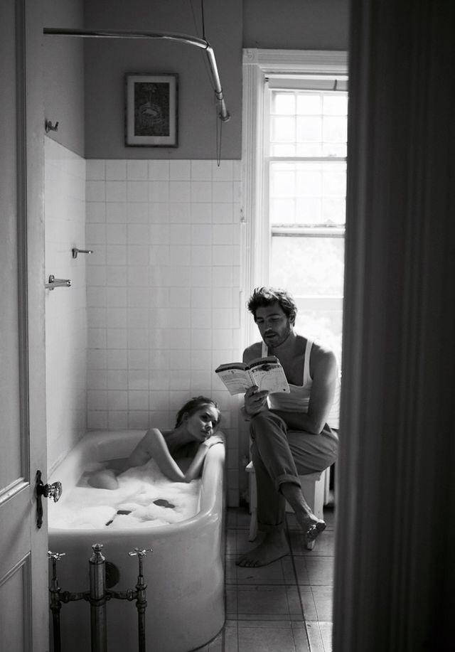 pareja leyendo libros de amor