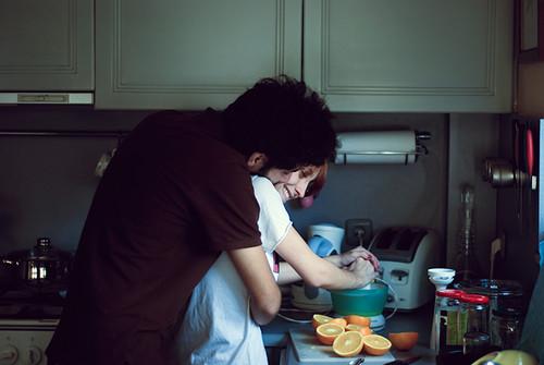 persona madura cocina