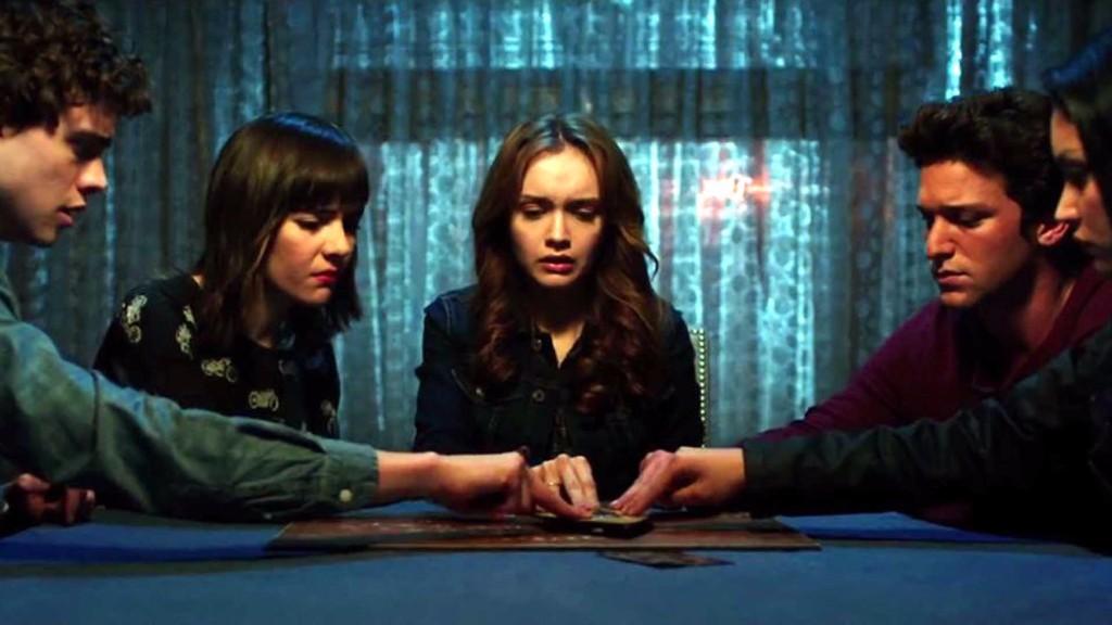Sesión de ouija | jugar a la ouija