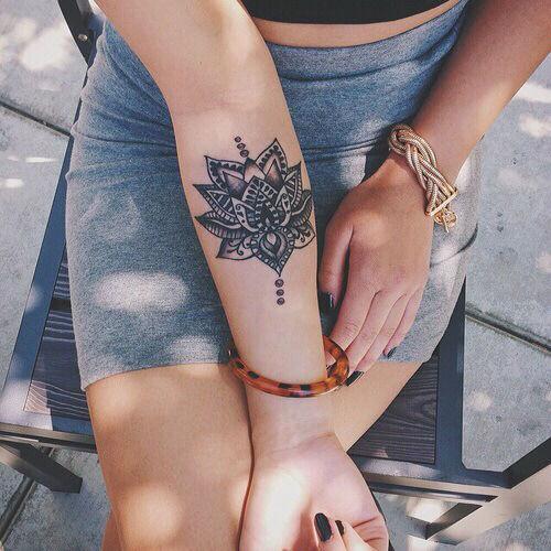 tatuaje de flor |  hacerte un tatuaje