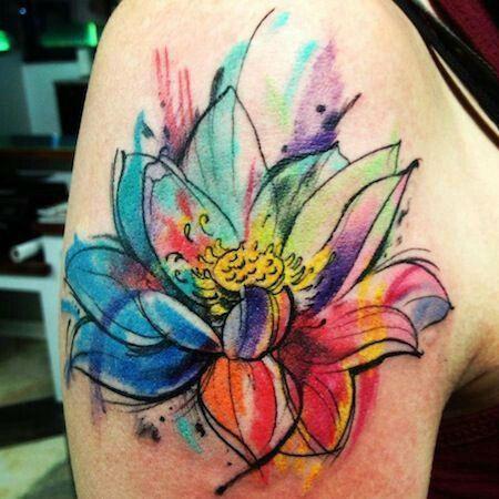 Tatuaje Flor De Loto Hombro Mujer