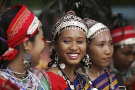tribu garo mujeres
