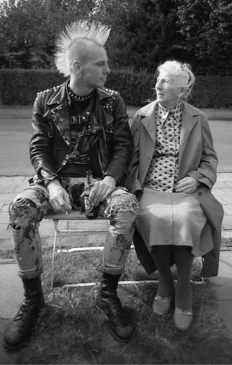 verdadero punk viejita