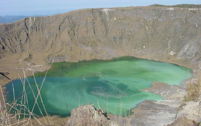 volcanes en México chinchonal crater
