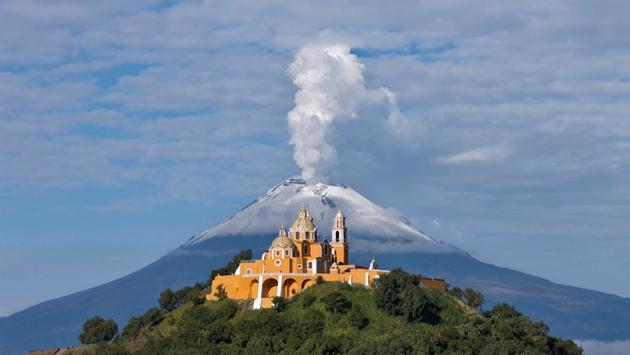 volcanes en México popocatepetl iglesia