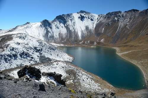 volcanes en México toluca lago
