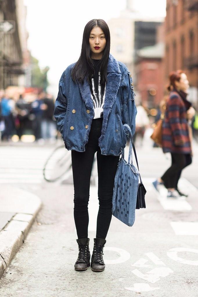 Vestido negro con casaca jean
