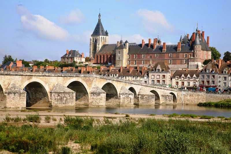 Castillos secretos que debes visitar si viajas a francia viajes - Office du tourisme de gien ...