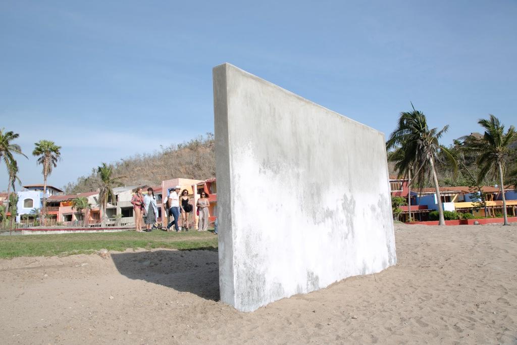 CAREYES arte muro Habitación Abierta