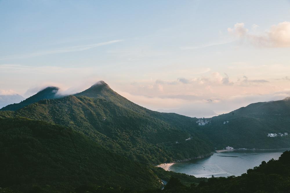 Hong Kong /  Finn Beales