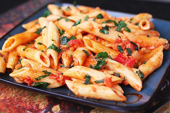 4 cosas que debes aprender a cocinar si vives solo en tus for Cocinar noodles