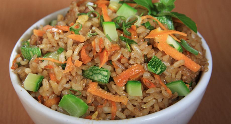 aprender a cocinar yakimeshi base