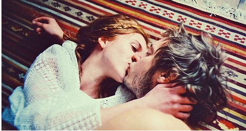 beso Maud Chalard parejas perfectas