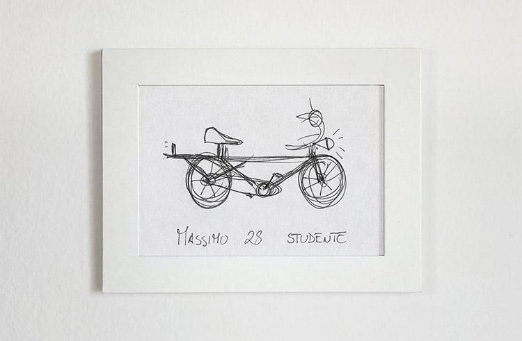 Bici negra y café / velocipedia