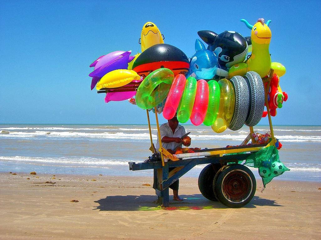 comercio en playa mexicana
