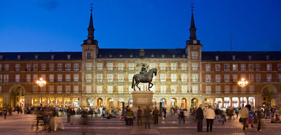como viajar Madrid Gran via