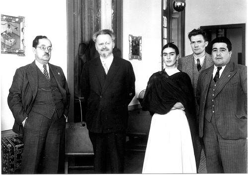 leon trostsky quien es frida kahlo