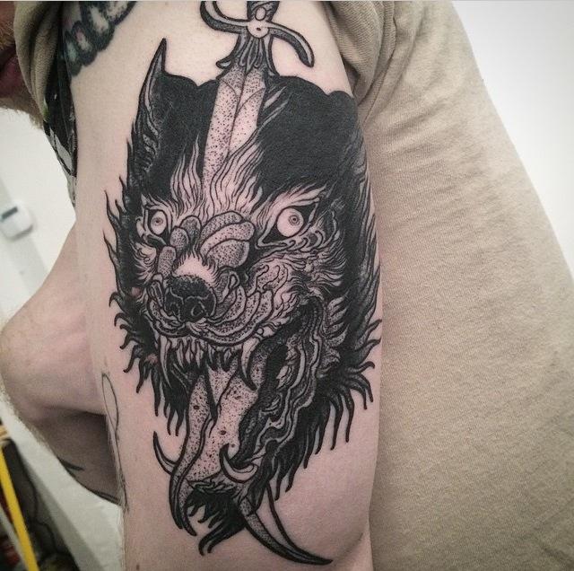 sketch tattos  lobo espada