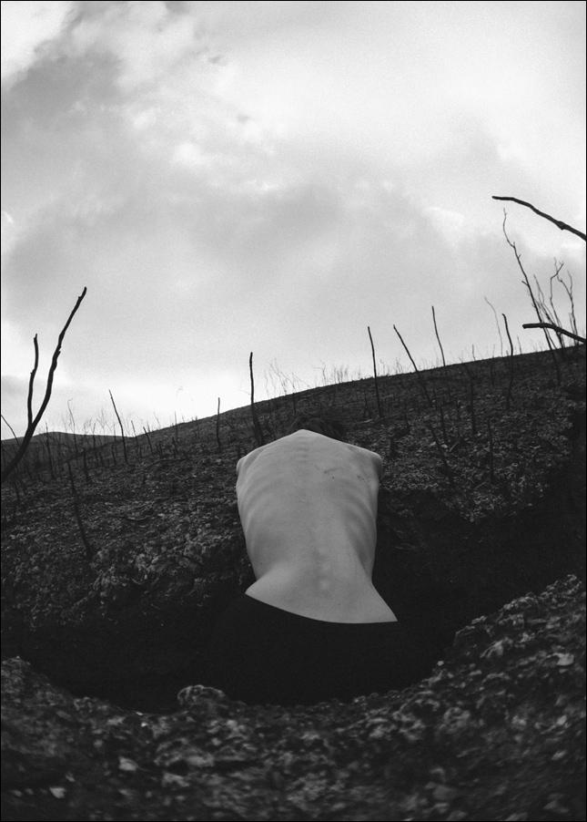 viktoria kollerova espalda desnuda