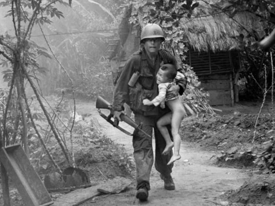 Nick Ut Vietnam soldado