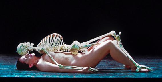 cadaver-abramovic