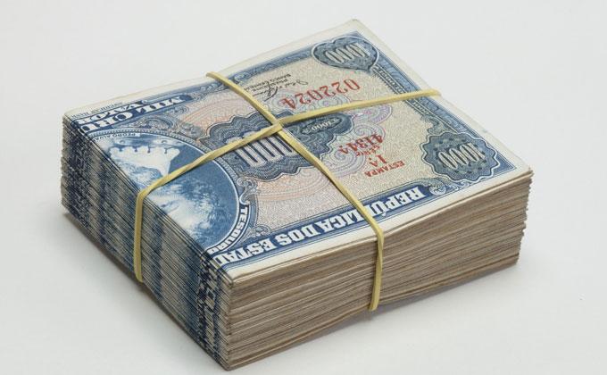 fajo de billetes clido meireles
