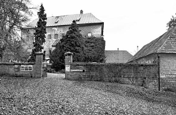 Gates of Hell Houska
