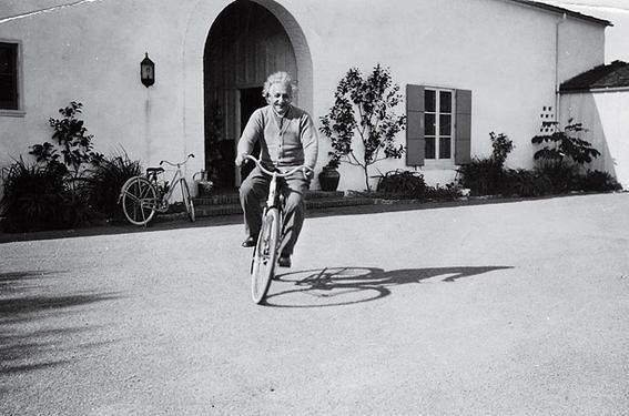 einstein bicicleta