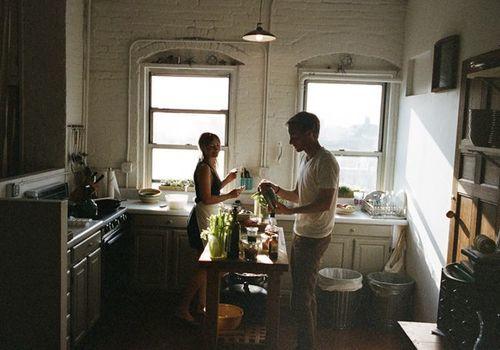 pareja cocina bajar de peso sin dieta