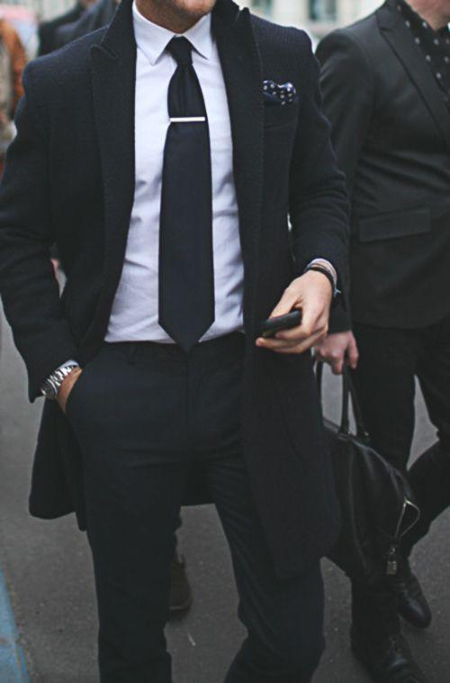 trajes de hombre blanco y negro
