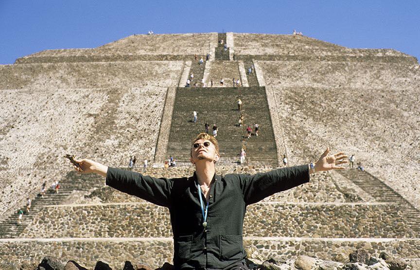 David Bowie sun pyramid