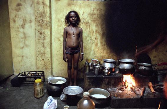 desnudo-orfanatos-en-la-India.jpg