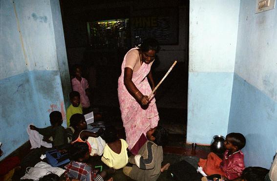 golpes-orfanatos-en-la-India