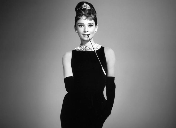 Por Qué El Vestido Negro De Chanel Se Convirtió En Un ícono