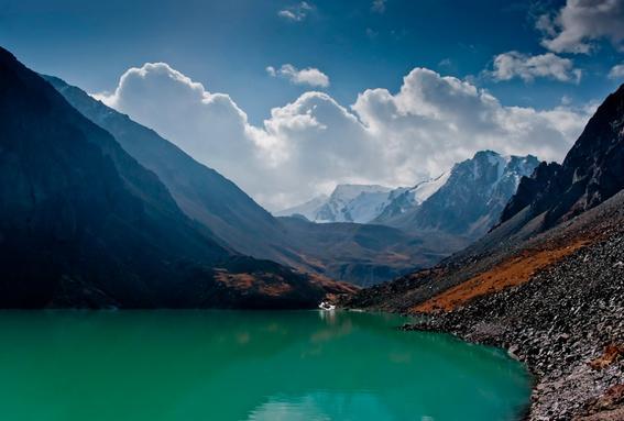 ruta de la seda lago