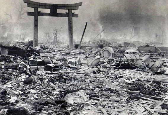 barefoot gen hiroshima bomba