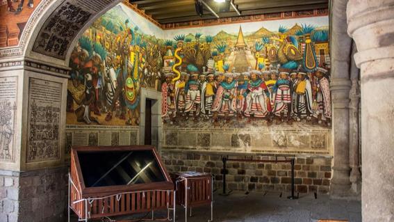 historia mural de tlaxcala de Desiderio Hernández Xochitiotzin