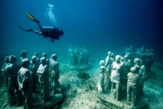 isla mujeres viajar a cancun con poco dinero