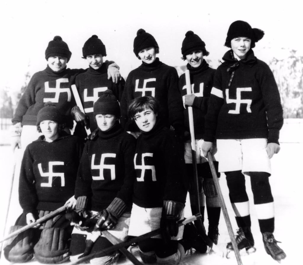 Fernie Swastikas hockey team 19