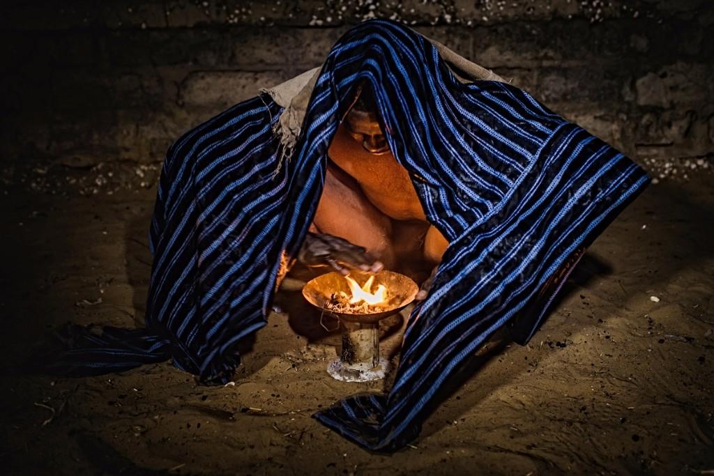 rituales vudú en senegal humo