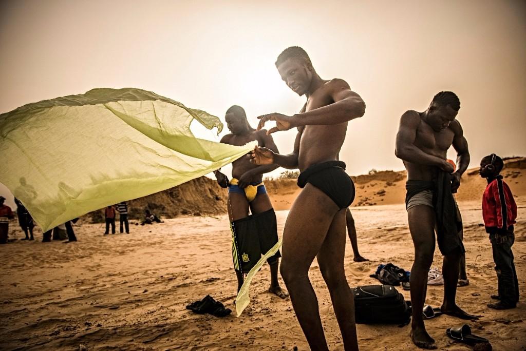 rituales vudú en senegal luchadores
