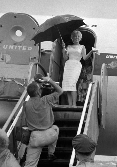 bajando del avión vivir un amor no correspondido