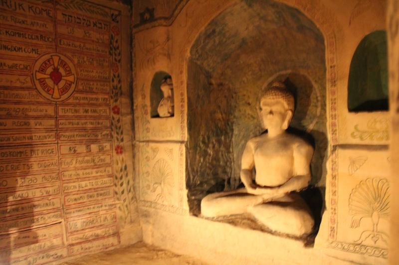 buda cuevas religiosas