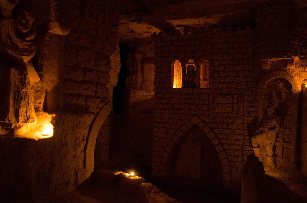 ciudad cuevas religiosas