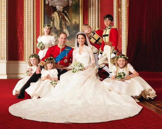 corona britanica reina elizabeth