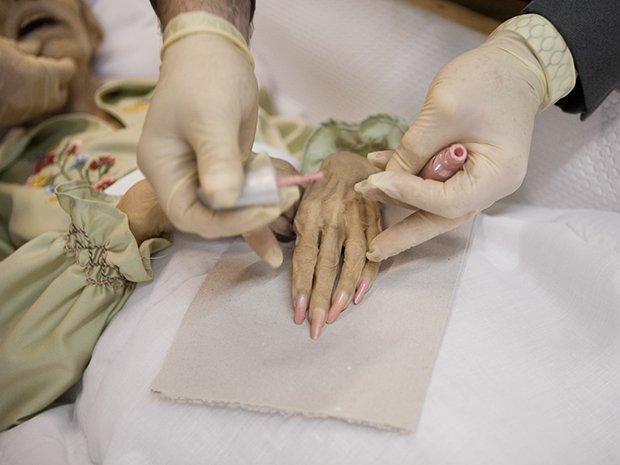 death photography fingernails