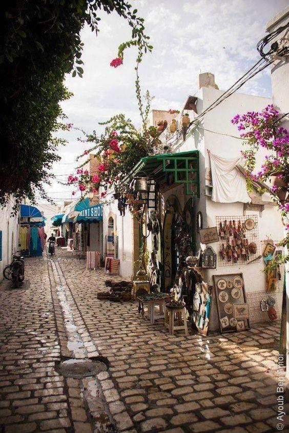 destinos baratos para viajar tunez streets