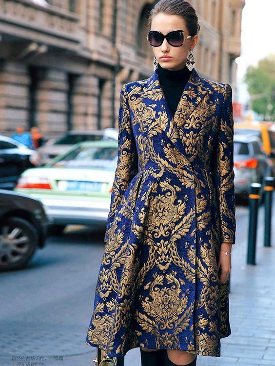 experta en moda jacquard