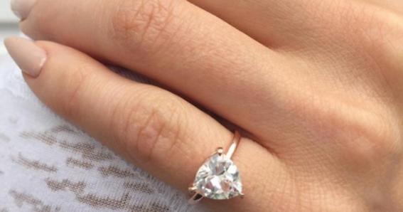 menique moda con anillos