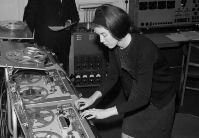 mujeres en la musica electronica delia derbyshire